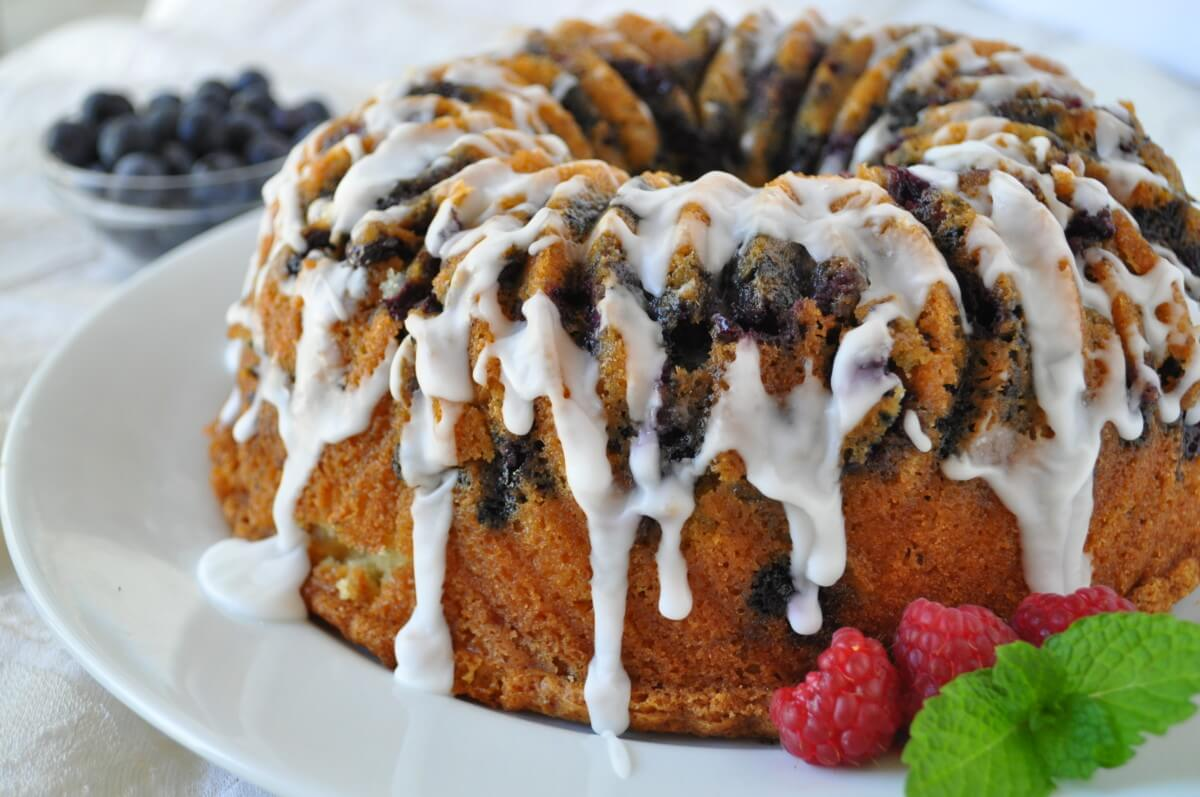how to make easy homemade christmas gifts holly cleggs white chocolate blueberry bundt cake recipe